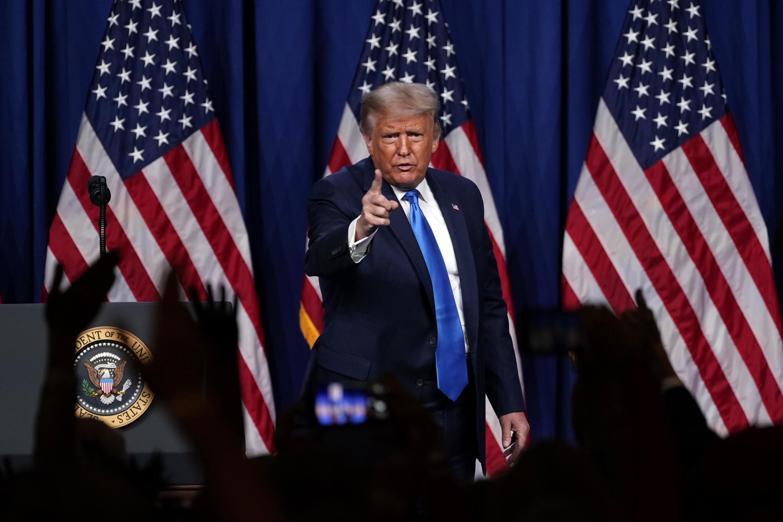Le président américain Donald Trump sur scène, lors de la convention du parti républicain à Charlotte en Caroline du Nord, le 24 août 2020.