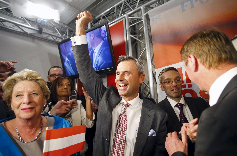 Norbert Hofer, do Partido Liberal da Áustria (FPÖ), venceu o primeiro turno da eleição presidencial com 35% dos votos no último domingo (15).