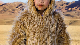 """Una de las imágenes de """"Bailarines del desierto"""" del chileno Andrés Figueroa dio la imágen del afiche de Photoquai 2013."""
