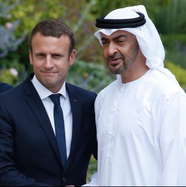 محمد بن زاید آل نهیان، ولیعهد امارات در سفر رسمی خود به پاریس و دیدار با امانوئل ماکرون، رئیس جمهوری فرانسه. چهارشنبه ٢١ نوامبر ۲۰۱۸.