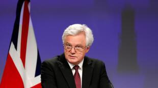 លោក David Davis រដ្ឋមន្ត្រីអង់គ្លេស ទទួលបន្ទុកចរចា Brexit