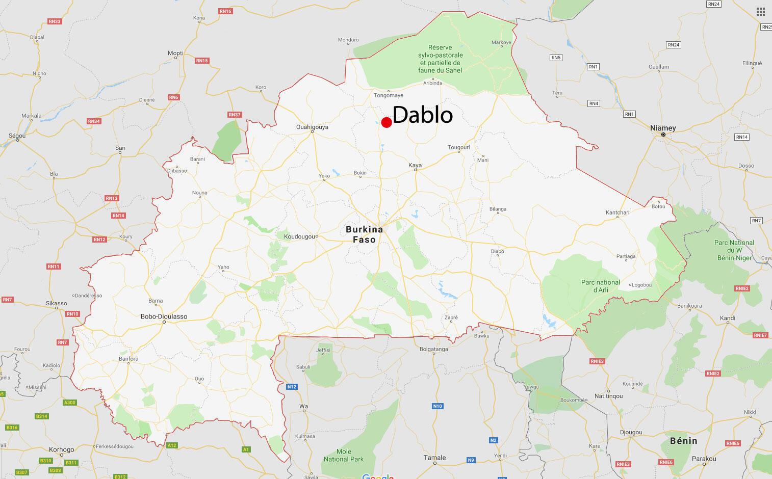 Dablo est situé à 90 kilomètres de Kaya.
