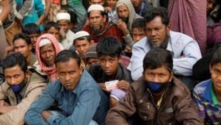 Daga cikin bukatun 'yan gudun hijirar na Rohingya, dole ne gwamnatin Myanmar ta ayyana su a matsayin cikakkun 'yan kasa baya ga hukunta wadanda suka ci zarafinsu tare da mayo musu da dukkanin muhallan da aka kwace musu a baya.