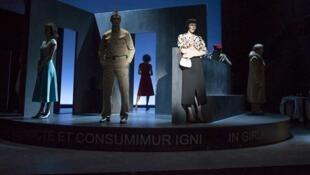 Anne Kessler et Guy Zilberstein présentent «La Ronde» d'Arthur Schnitzler au Théâtre du Vieux Colombier.