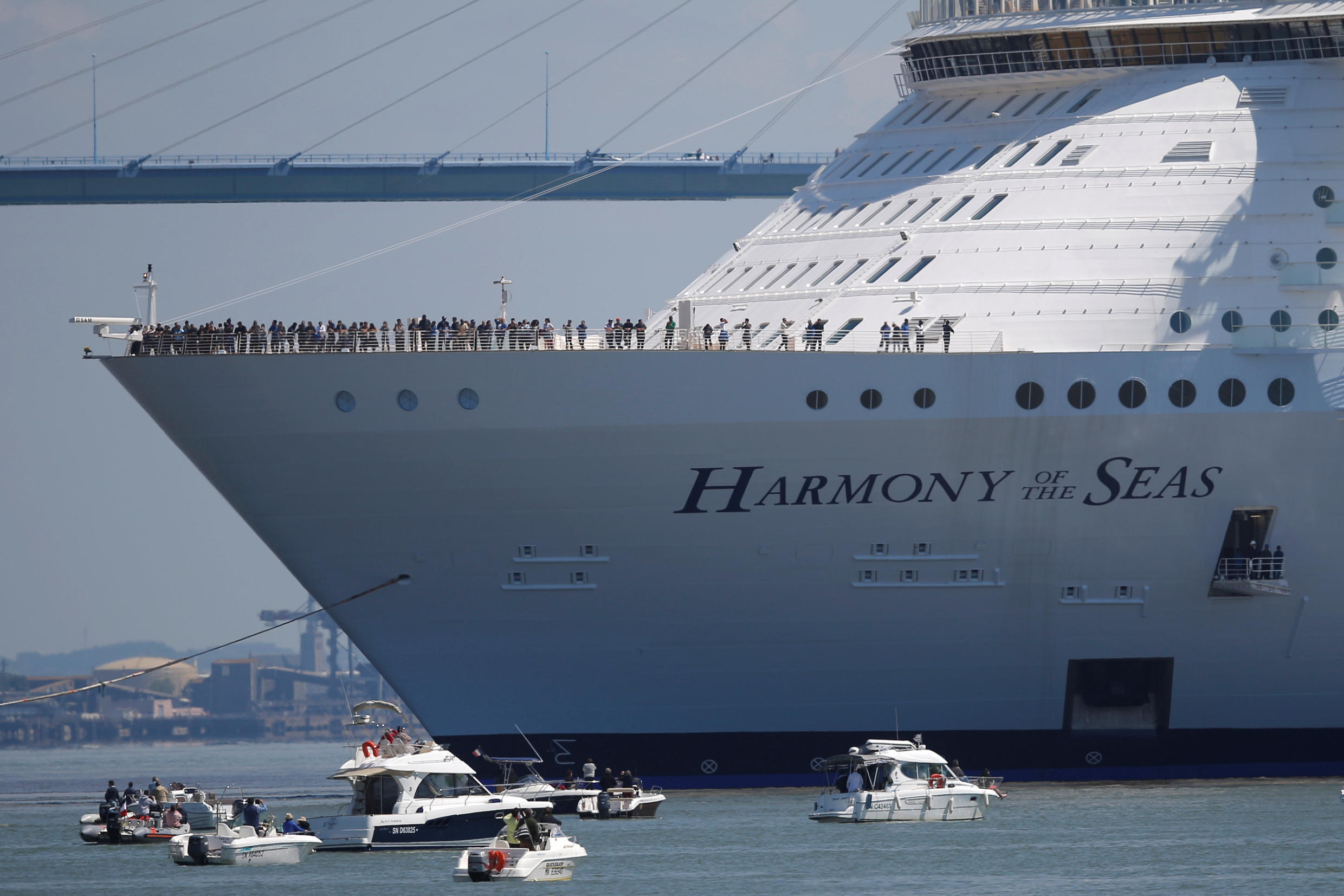 The Harmony of the Seas leaves the STX Les Chantiers de l'Atlantique shipyard on 15 May 2016