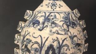 Porcelana portuguesa do século XVII patente ao público em Paris na Galeria Mendes.