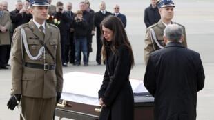 Jaroslaw Kaczynski,le frère jumeau du président polonais Lech Kaczynski et Marta la fille de ce dernier.