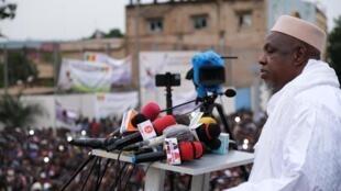 L'imam Mahmoud Dicko, le 11 août 2020, lors d'un rassemblement de protestation contre le président IBK, à Bamako.