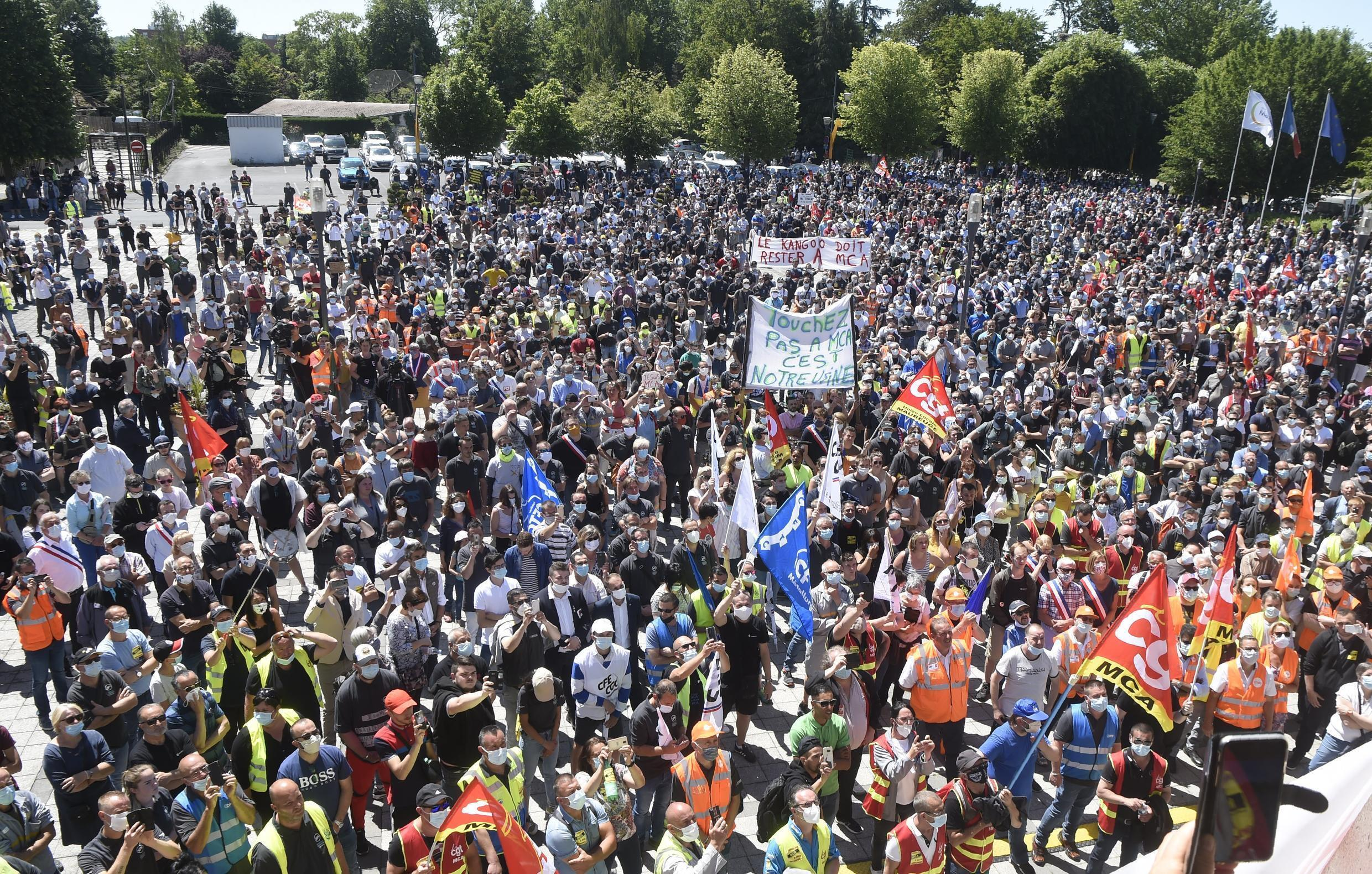 Unions said 8,000 people took part in the protest over the cuts designed to help Renault steer out of a cash crunch exacerbated by the coronavirus pandemic, 29 May 2020