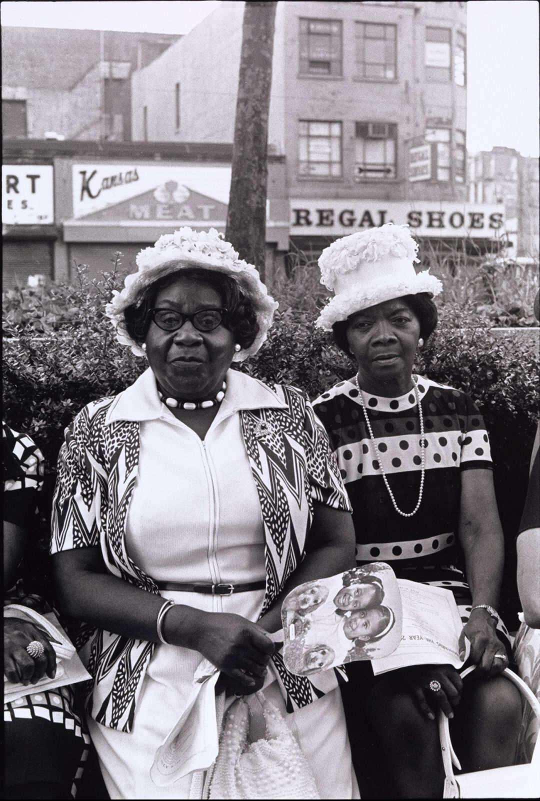 Ming Smith : Amen Corner Sisters (detail), New York City, NY, 1976.