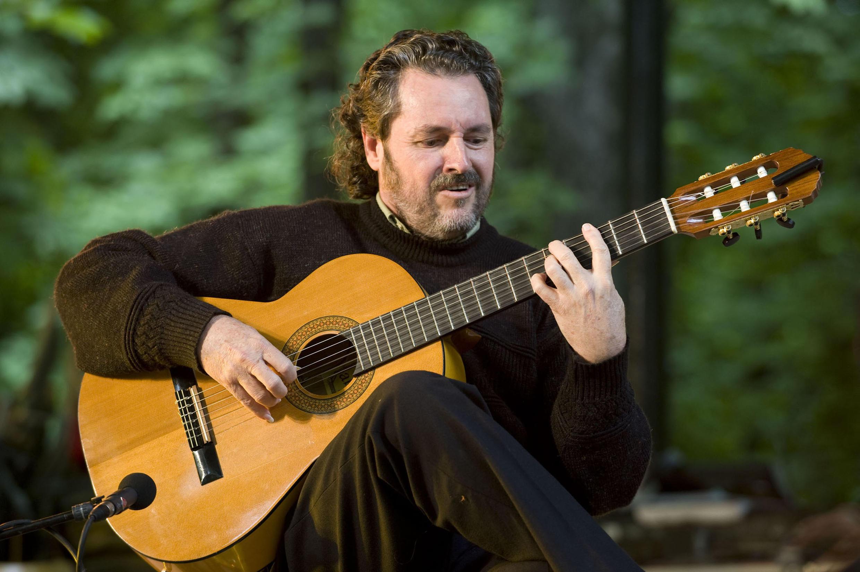 O violonista brasileiro Laércio Ilhabela.