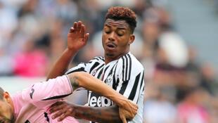 Le Gabonais Mario Lemina (à droite), sous le maillot de la Juventus.