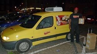 O brasileiro Marcos Vinícius Ferreira, que popularizou o pão de queijo na Dinamarca