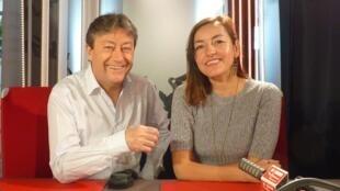 La actriz y directora chilena Gabriela Aranguiz con Jordi Batalle.