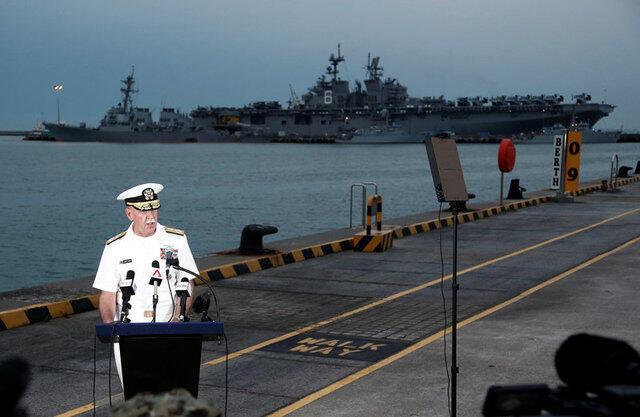 Đô đốc Scott Swift, tư lệnh Hạm Đội Thái Bình Dương, trả lời báo giới về vụ tai nạn tàu USS John S. McCain, căn cứ hải quân Mỹ ở Changi, Singapore, ngày 22/08/2017.