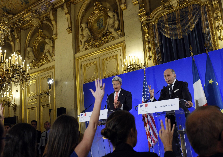 John Kerry (g.) et Laurent Fabius, le 7 septembre à Paris.