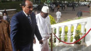 Le président mauritanien Abdel Aziz et son homologue malien Ibrahim Boubacar Keita, à Bamako, le 22 mai 2014.