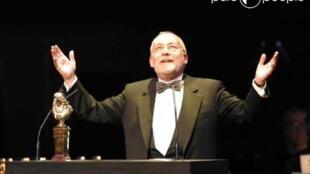 2003年5月,米歇尔 ∙杜朔索瓦获得莫里哀奖杯