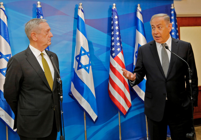 دیدار جیمز متیس، وزیر دفاع آمریکا با بنیامین نتانیاهو، نخست وزیر اسرائیل طی سفرش به این کشور. بیتالمقدس - اول اردیبهشت/ ٢۱ آوریل٢٠۱٧