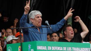 Le leader syndical Hugo Moyano, lors d'une manifestation contre la politique économique du gouvernement argentin, le 21 février 2018 à Buenos Aires.
