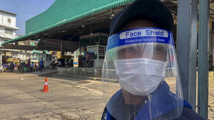 Depois de ser relativamente poupada da pandemia em 2020, Bangkok registra um aumento expressivo de casos de Covid-19.