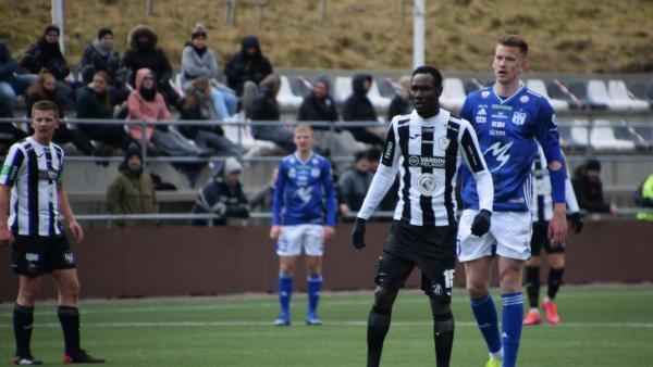 Le Sénégalais Adama Gueye, lors d'un match de la Betri Deildin, le Championnat des Îles Féroé.