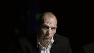 Ministro das finanças da Grécia, Yanis Varoufakis, lidera negociações com a zona do euro.