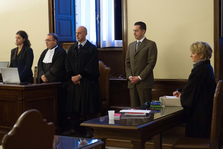 Паоло Габриэле слушает приговор суда Ватикана, 6 октября 2012 года