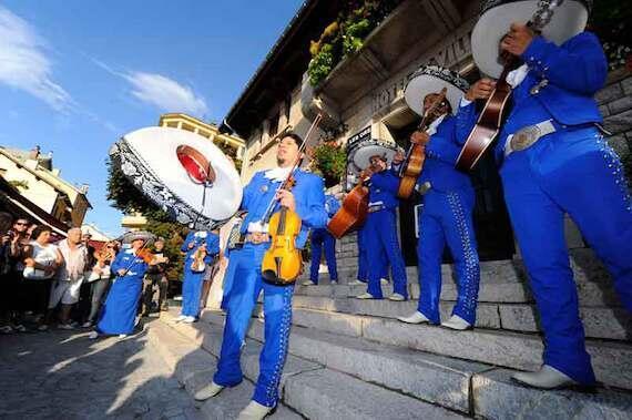 Las fiestas latino-mexicanas se celebran anualmente en Barcelonnette, durante el verano. En 2014 las celebraciones se programaron entre el 11 y el 17 de agosto.