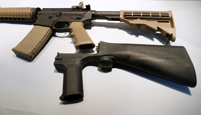«Bump stock», thiết bị cải tiến súng bán tự động thành tự động liên thanh.