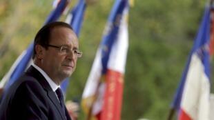 O presidente François Hollande faz viagem de dois dias à África do Sul neste 14 de outubro de 2013.