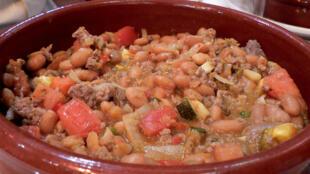 卡酥莱(Cassoulet)法国乡土菜