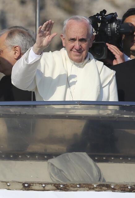 Chegada do Papa Francisco que visita a ilha de Lampedusa