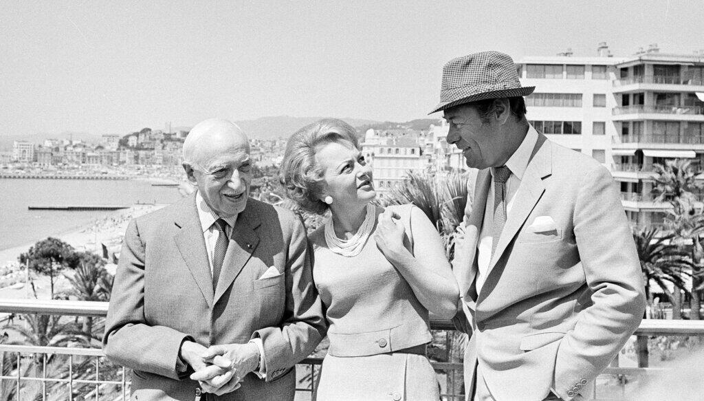 Ảnh tư liệu:  Olivia de Havilland với tư cách thành viên ban giám khảo tại Liên hoan Điện ảnh quốc tế Cannes, ngày 13/05/1965, Cannes