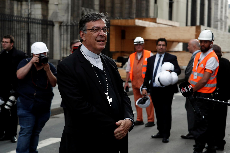 Архиепископ Парижа Мишель Опети после мессы в Нотр-Дам де Пари 15 июня 2019
