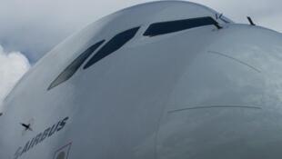 យន្តហោះ Airbus A-380 ជាយន្តហោះធំបំផុតលំដាប់ទី៣ នៅក្នុងប្រវត្តិសាស្ត្រហោះហើរ