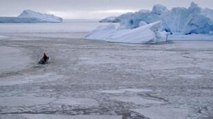 A pesquisa, baseada em observações por satélite da criosfera (geleiras, calotas polares etc), indica que 28 trilhões de toneladas de gelo desapareceram entre 1994 e 2017.