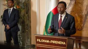 Le président malgache Hery Rajaonarimampianina avait annoncé, vendredi 7 septembre, qu'il quittait ses fonctions pour se conformer à la Constitution.