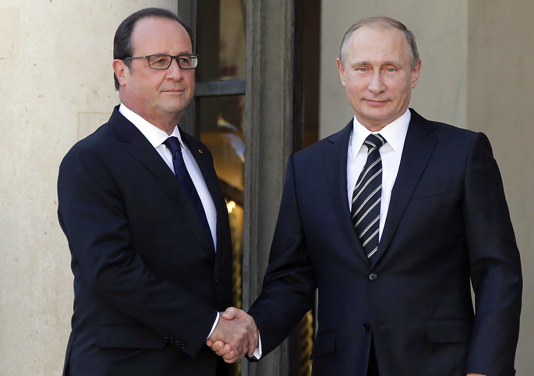 «Монд»: Олланд встретил Путина прохладно