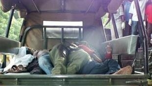 索馬里青年黨襲擊後疏散傷者