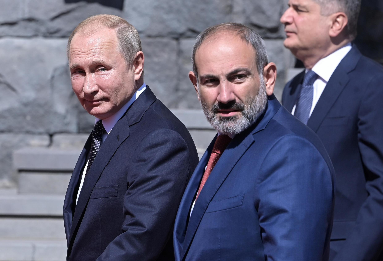 Владимир Путин и Никол Пашинян на саммите ЕврАзЭС в Ереване, 1 октября 2019