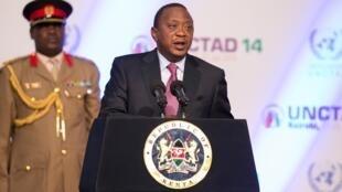 Rais wa Kenya Uhuru Kenyatta akihotubia mkutano wa UNCTAD
