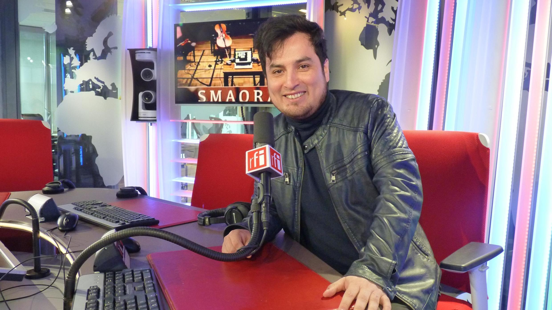 Juan Arroyo en los estudios de RFI