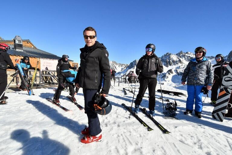 El presidente francés en una estación de esquí el 15 de marzo.