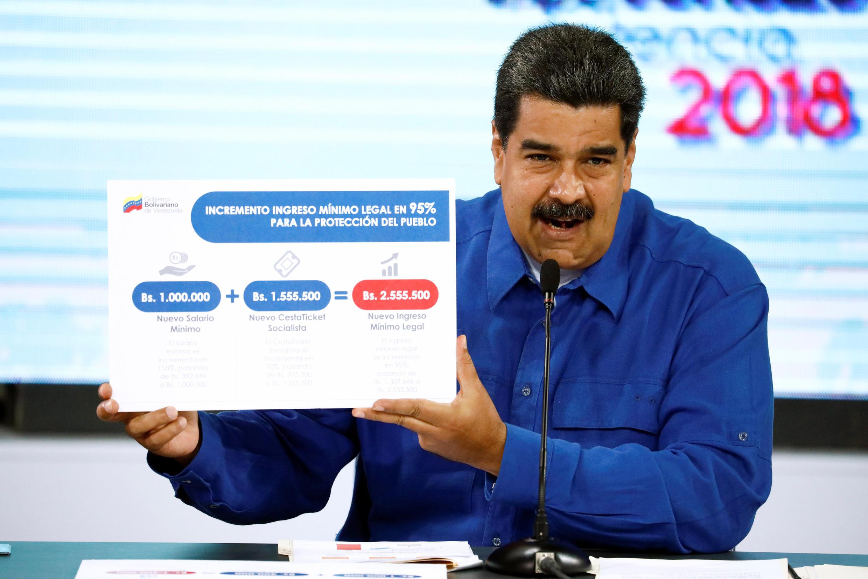 Le président vénézuélien Nicolas Maduro, justifiant sa décision d'augmenter le salaire minimum. Caracas, le 30 avril 2018.