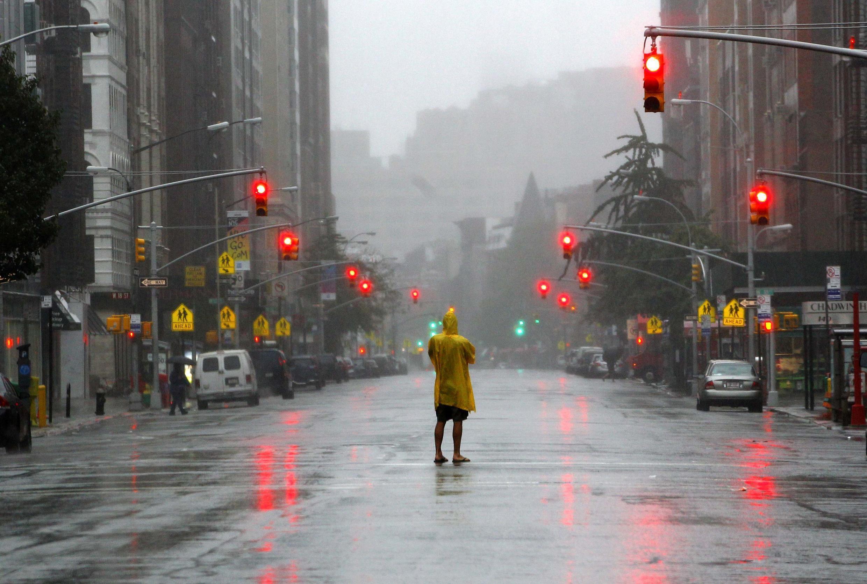 Bão Iren trên đường phố New York