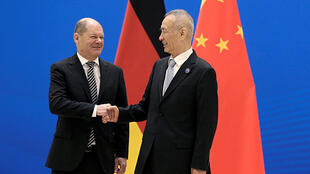 德国副总理兼财政部长朔尔茨(Olaf Scholz)与中国副总理刘鹤2019年1月18日