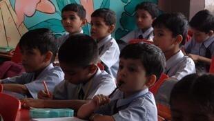 Le gouvernement régional de New Delhi a prévu d'équiper les quelque 1000 écoles publiques de la capitale dans les mois à venir, principalement pour renforcer la sécurité des enfants.