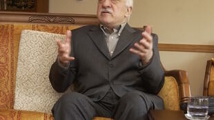 Since 1999, the Turkish cleric Fethullah Gulen has been living in exile in a compound in the U.S. state of Pennsylvania. Turkey's government accuses the sect leader of being behind a plot to unseat the ruling AK Party.