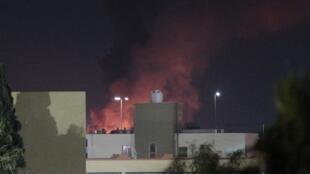 Explosão de uma bomba na capital da Líbia, Trípoli.